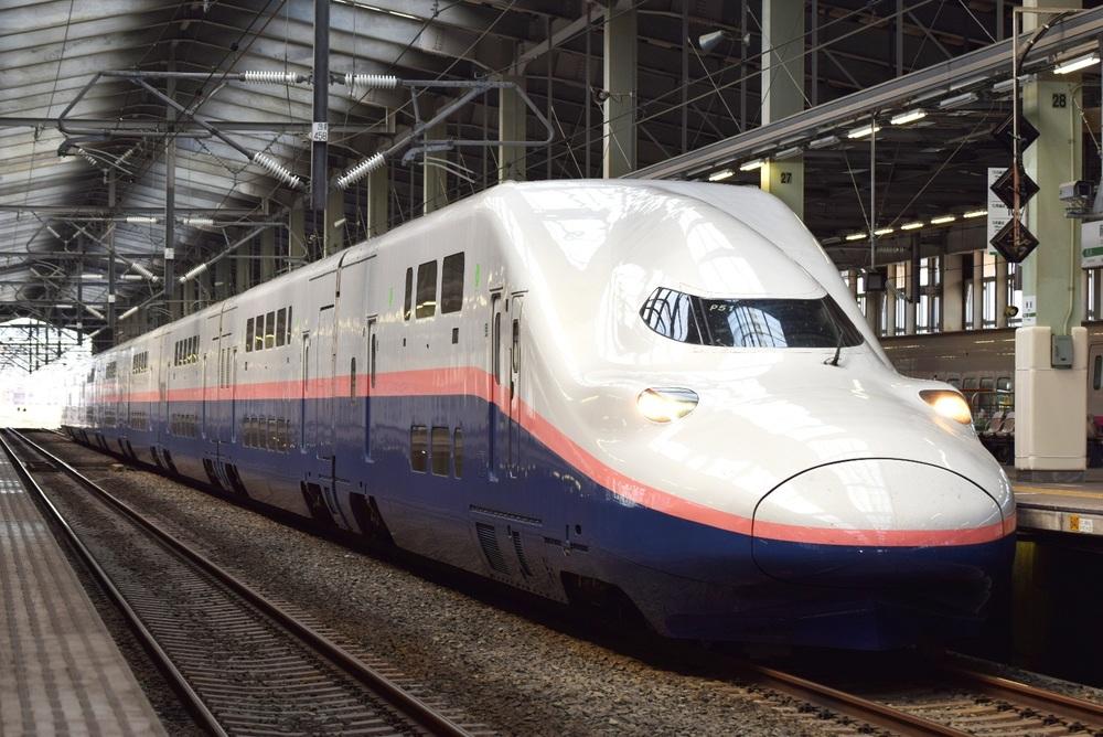 搭乘上越新幹線前往湯澤。