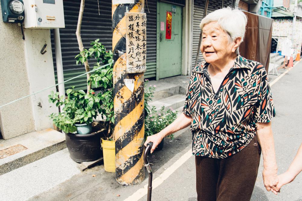 今年92歲的86阿嬤(因為住在86號)在大時代下學會日語,擅長與來臺南的日本人介紹哪裡好吃。