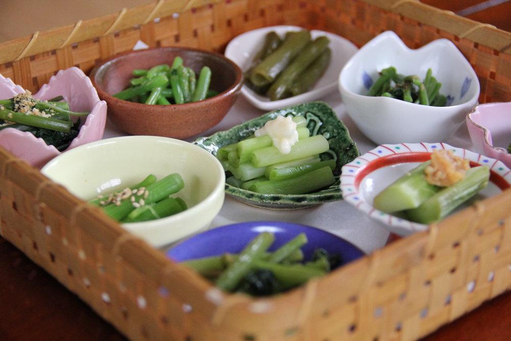 位於山區的峠之茶屋「江川」,採用當季新鮮野菜所烹煮而成的鄉土料理,簡單卻美味的山菜定食讓人感受到自然的鮮甜滋味。