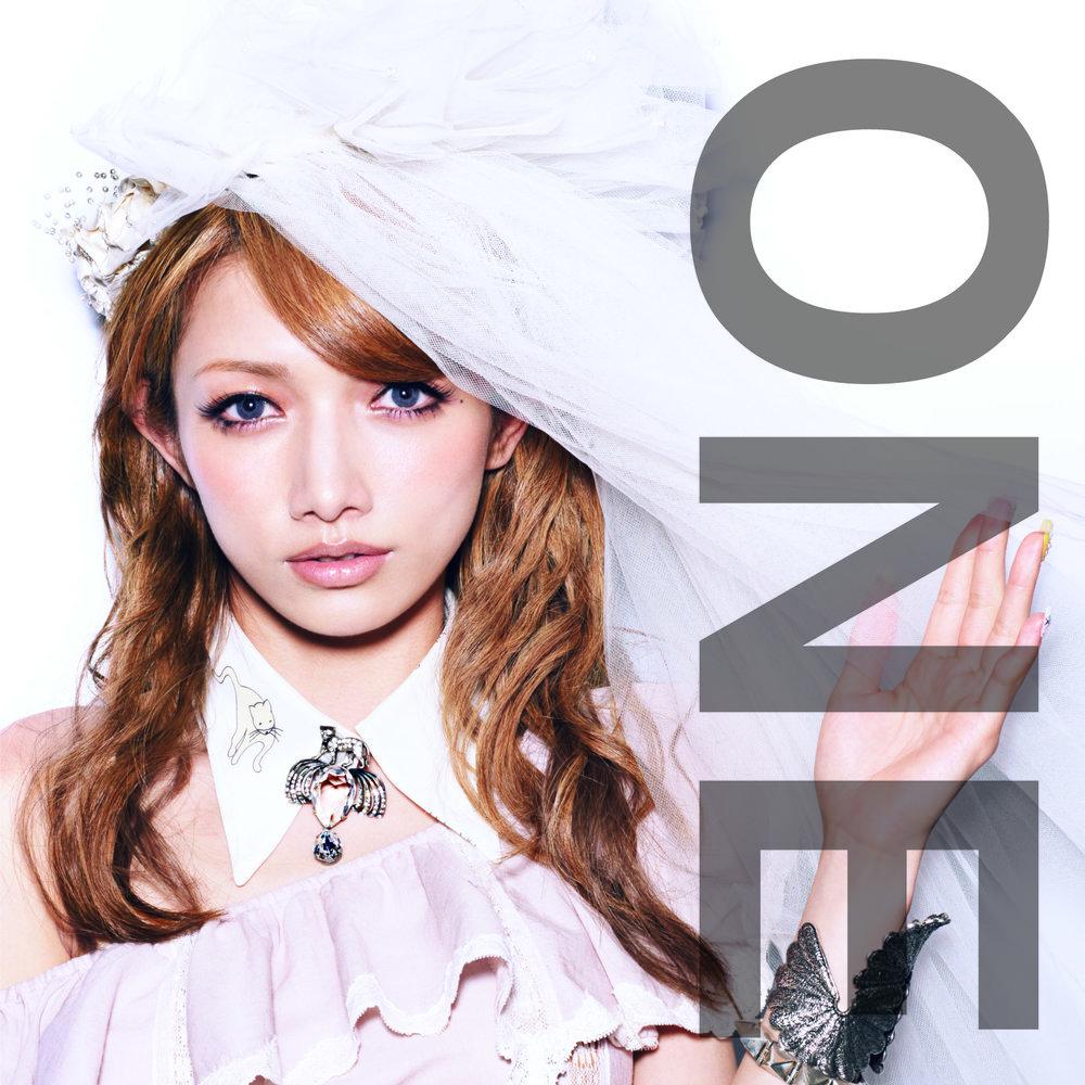 移籍艾迴後以個人名義發行的首張專輯《ONE》