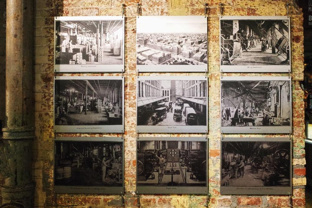 走廊上可以看到不少當年雀爾喜市集的歷史原貌照片