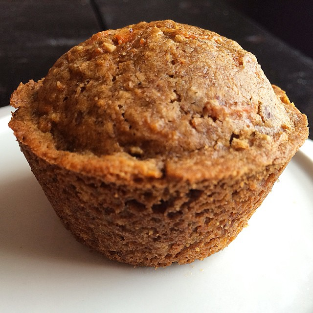 This morning's breakfast- homemade vegan, gluten free cinnamon carrot muffins with flaxseeds 🍴💃