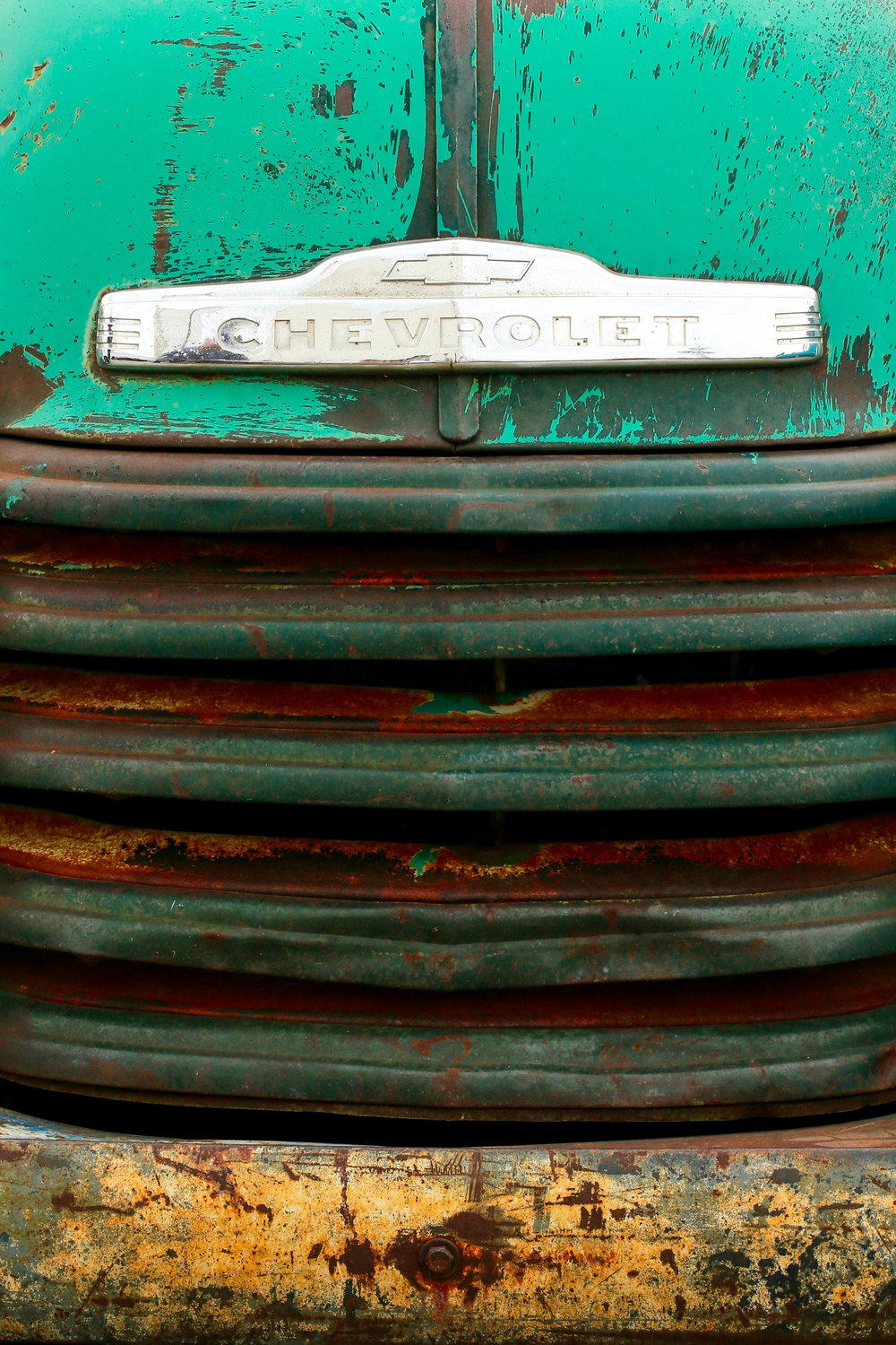 Rusty Chevrolet Grille.jpg