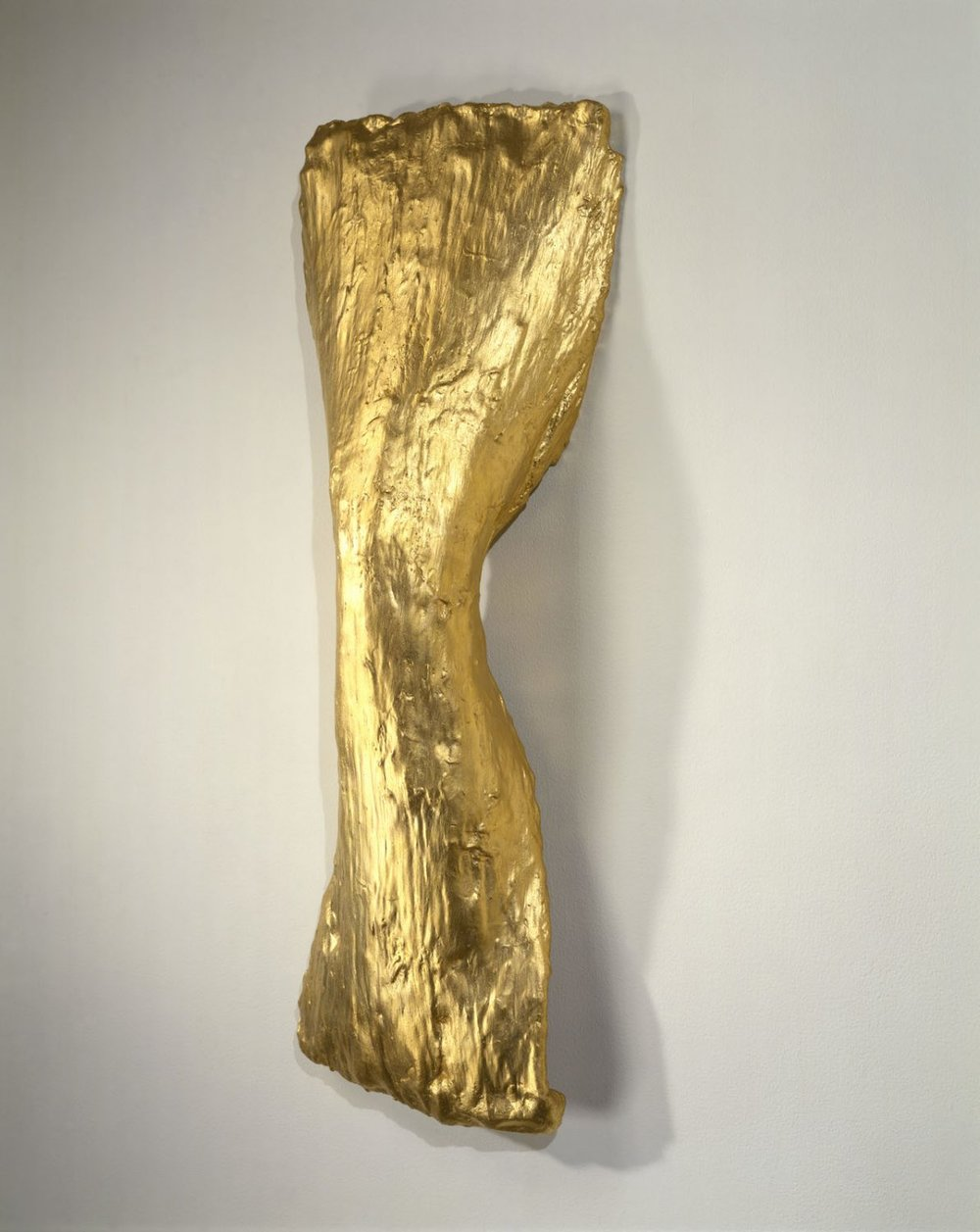 lynda-benglis_spindle_1977_aware_women-artists_-artistes-femmes-1193x1500.jpg