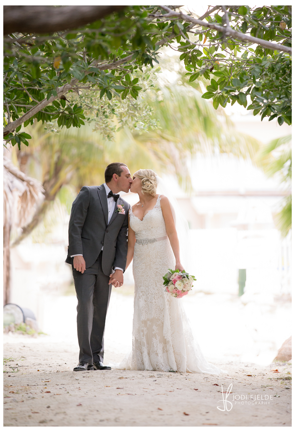 Cocconut_Cove_&_ Marina_ wedding_Kalie_and_Kurt 33.jpg