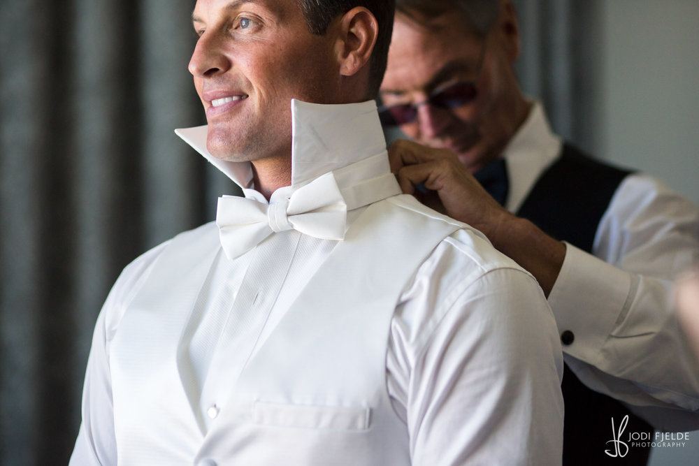 0006GROOM-PREP-HILTON-PALM-BEACH.jpg