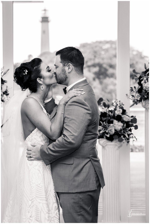 Pelican-Club-Jupiter-Wedding-bride-groom-ceremony_0121.jpg