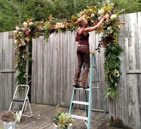 Arches are like a giant wreath to me and I LOVE doing them!