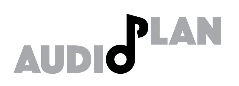 Audioplan verzorgt het geluid bij muziekoptredens. In het logo zijn de O en P tot een muzieknoot verwerkt, die ook als los beeldmerk kan worden gebruikt.
