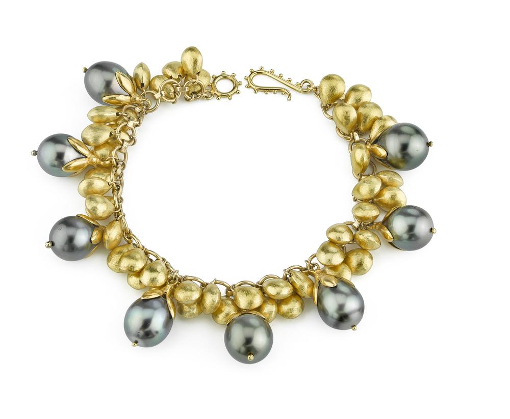 20 Karat Yellow Gold Black Tahitian Pearl Bracelet