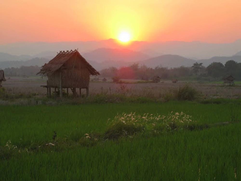 Ban Hat Sa, Laos