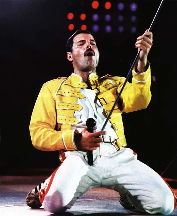 Freddie_Mercury_Concert_Jacket__06490_zoom.jpg