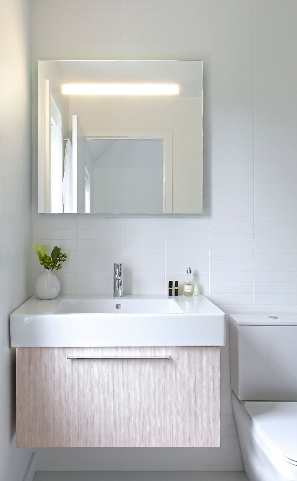 Nous Studio- CT residence-Guest bath- view 2.jpg