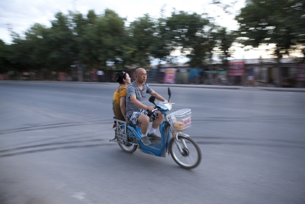 China_ManWomanCycle copy_web.jpg