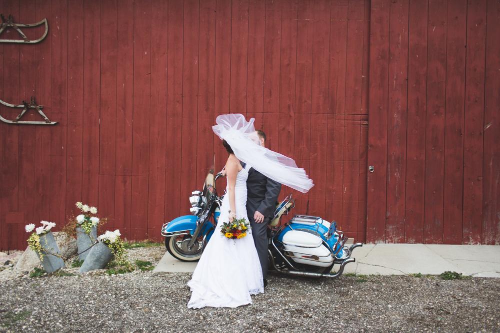 BRET + RANDI | CAMPBELLSPORT, WI   WEDDING