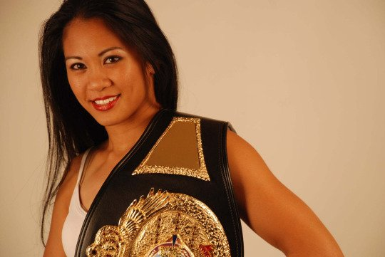 Photo Credit: sports.yahoo.com - U.S. FWN100™ '09 Ana Julaton
