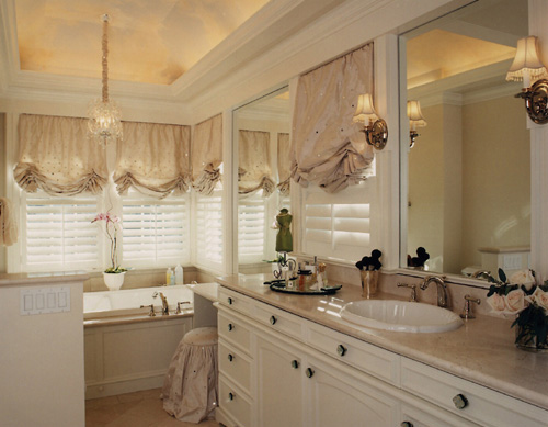 Master Bath                     Photo: Ken Rice