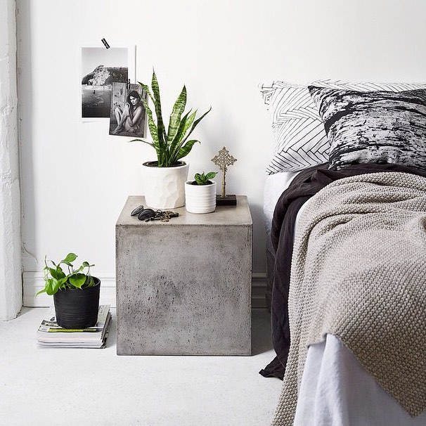 This space is just so dreamy! Beautifully styled photo by @indiehomecollective, featuring our planters, made exclusively for them. Loved collaborating with this amazing store. 🌿 Styling and photo by @indiehomecollective #handmade #collaboration #nzmade #formandfable