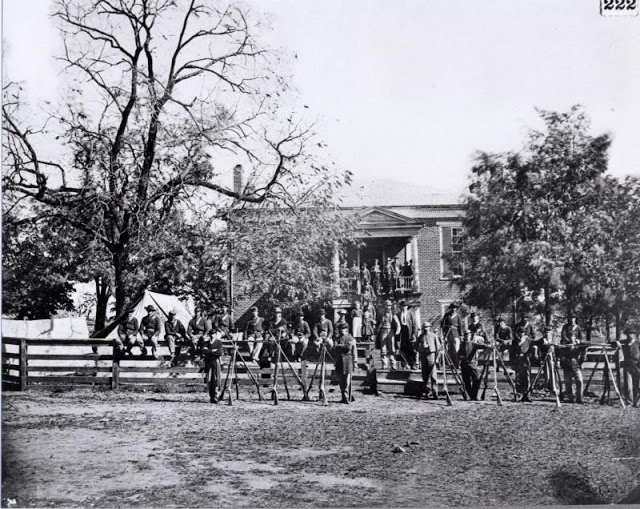 Union soldiers at Appomattox