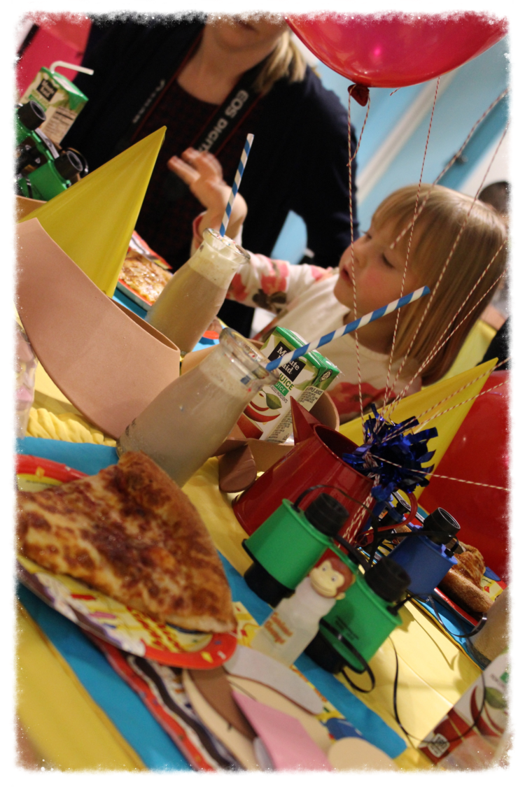 Little Giggles offers a unique Birthday party venue. A clean, safe playground and a beautiful party room and cafe area with ample room for children and adults. See our selection of party packages available, designed to suit all budgets.