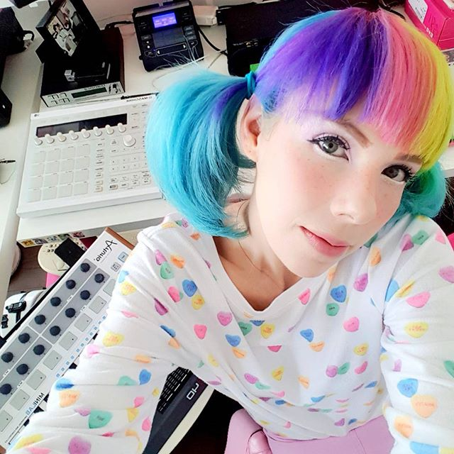 💕🎶🌈 After two weeks of shows and workshops I am back in Studio Kawaii to finally FINISH SOME MUSIC FOR U SWEET TARTS!! New songz coming v soon, so stay tuned & stay weird! 👽😚💦