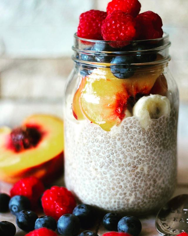 One of my favorite (and quick when I organised) breakfasts is overnight chia seeds and oats. Soaked with almond milk and topped with yummy fruit.  With the cold weather arriving here it's last of fresh berries and stone fruit and onto pears and apples - luckily all of them are tasty warmed up, I think we are in for a cold few months!