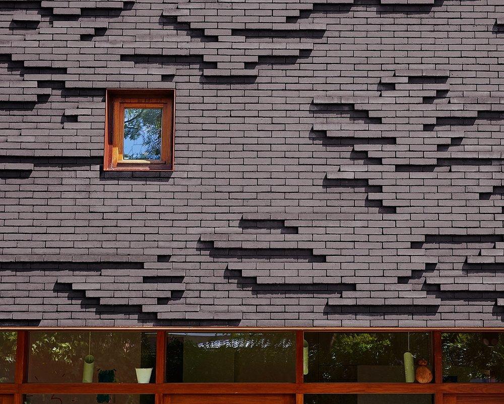 Facade brick 1.jpg