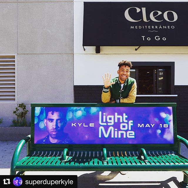 Have a super duper Memorial Day Weekend! 🇺🇸🍔🍺 #Repost @superduperkyle #gobenches #martinoutdoormedia #ooh #superduperkyle #advertising #losangeles #outofhome ・・・ 10 DAYS! 🖐🏽 - 18 #LightOfMine