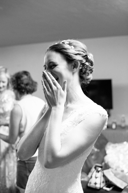 tucson-wedding-moments-gettingready.jpg