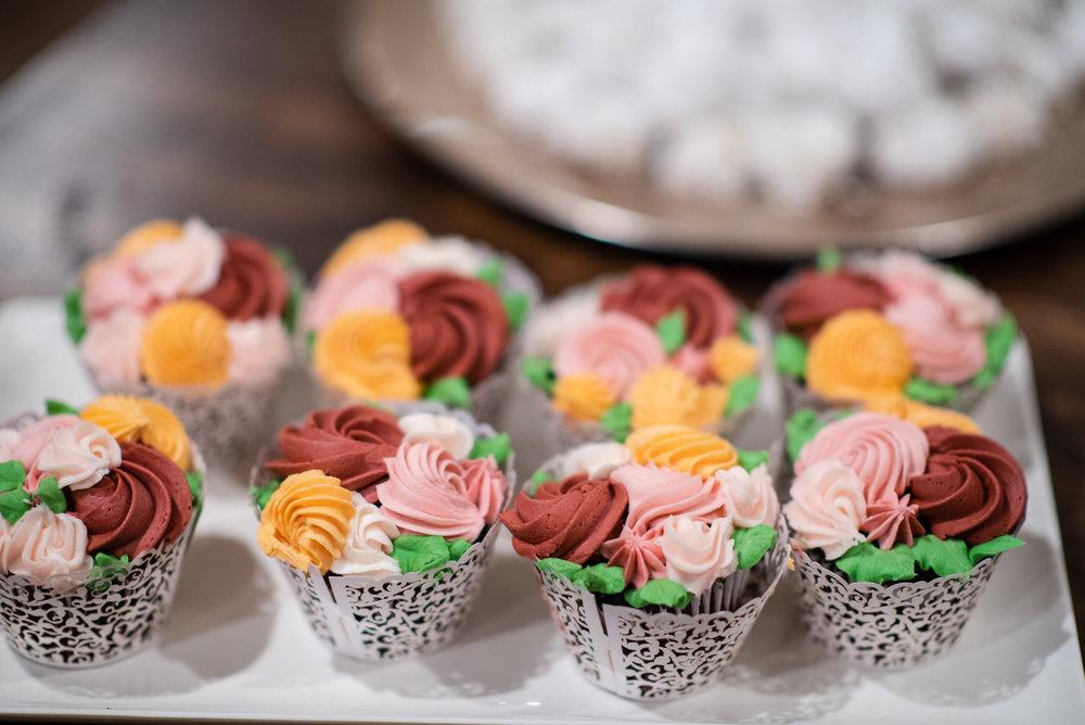 WeddingCupcakes.jpg