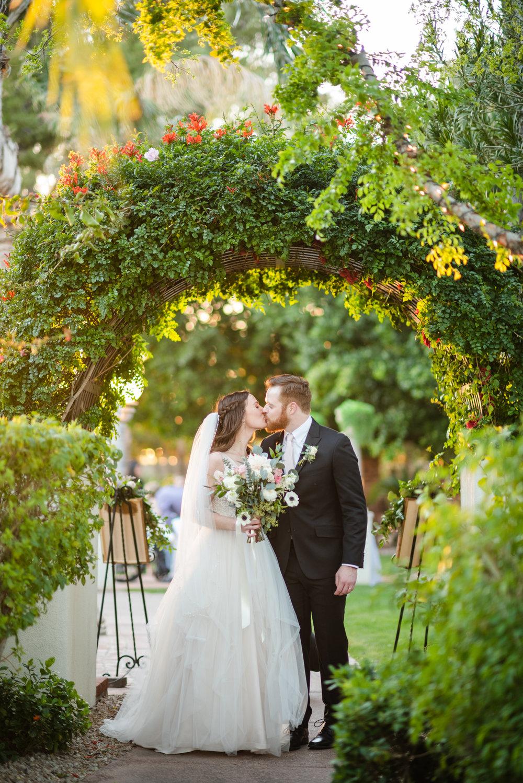 Bella Rose Estate Wedding - Meredith Amadee Photography-110.jpg