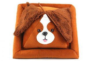 Peeramid-Bookrest-Dog_24006-l-500x333.jpg