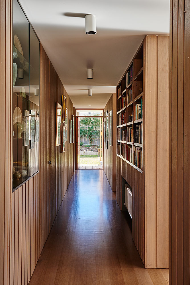 1502 Interior Hallway © Nikole Ramsay.jpg