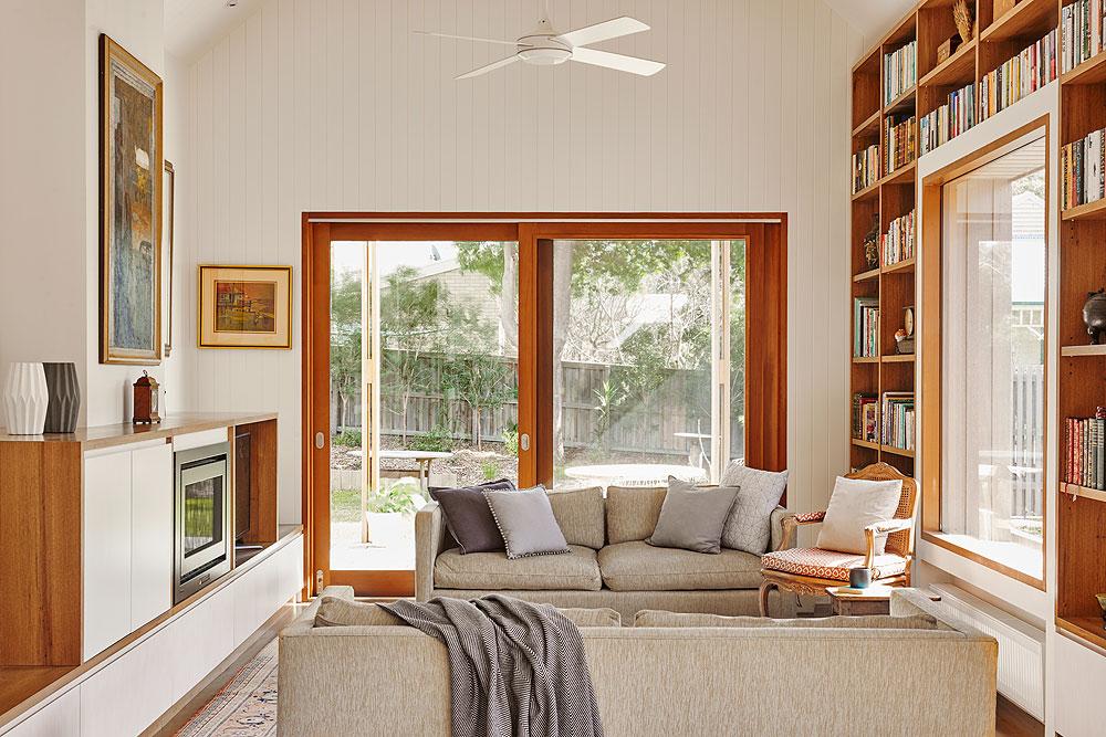 1502 Interior Living 1 © Nikole Ramsay.jpg