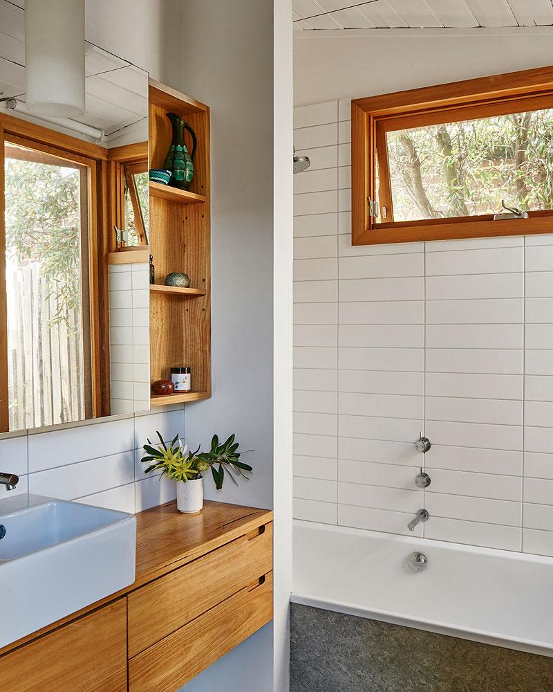 602 Interior Bathroom © Nikole Ramsay.jpg