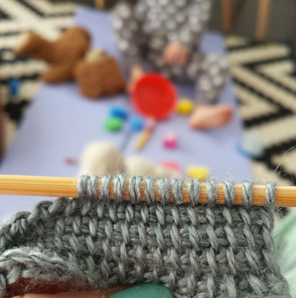 Chaos reigns in my house but still I managed a little swatch.