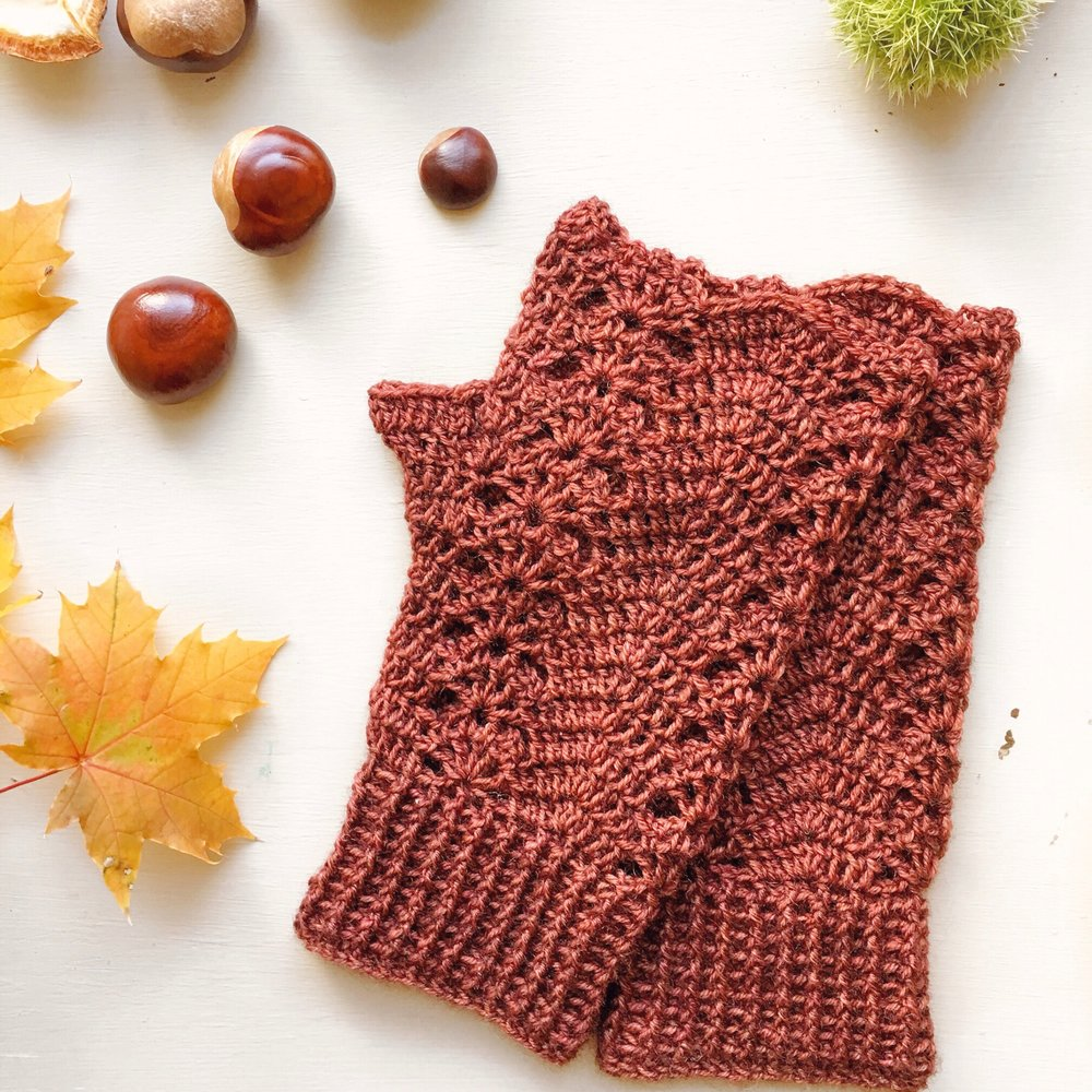 conker - Crochet these pretty mitts in your favourite colour and they will be perfect for cool autumn days. The pattern uses an easy to learn fan stitch and has some cute details on the cuff and thumb. 4ply yarn. One skein. Intermediate. UK terminology. More details and pictures.