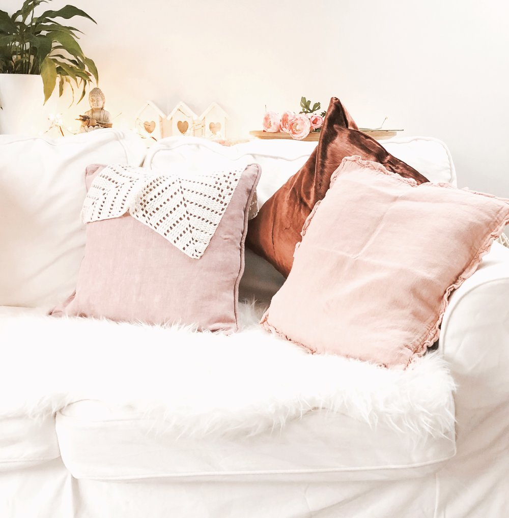 peachy cushions.JPG
