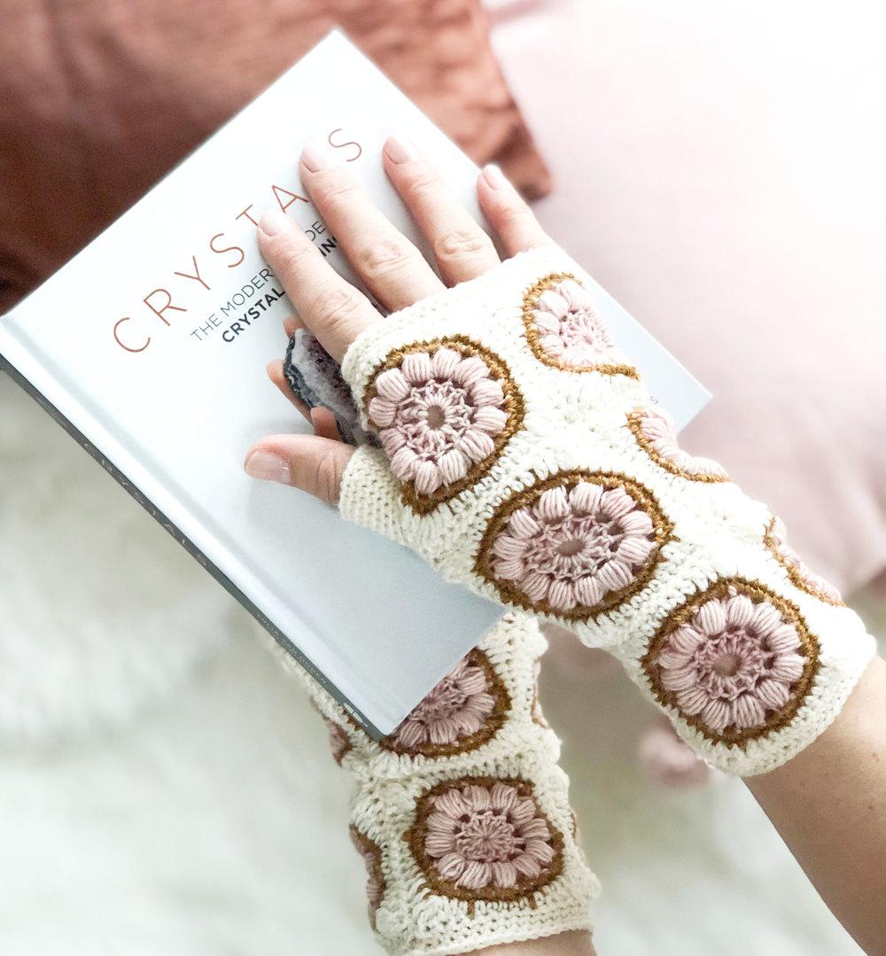 nightflower mitts.jpg