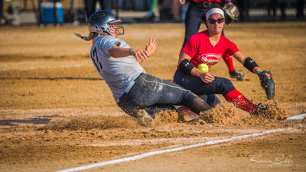 kevinlukerphotography_softball_slide (1 of 1).jpg