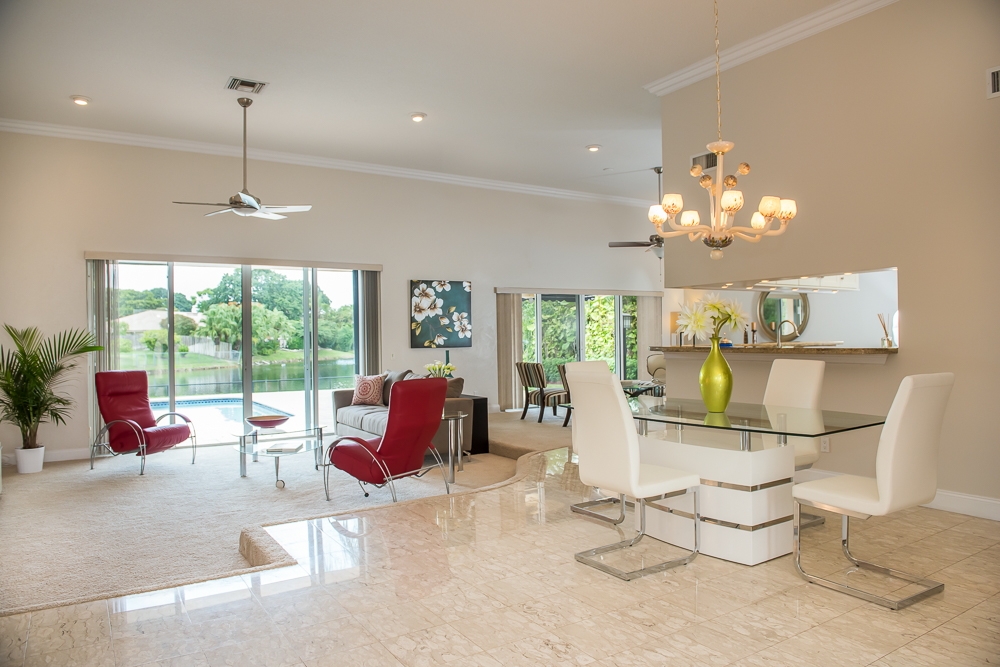 captiva-design-home-staging-Joan-Barr-Living-Room.jpg
