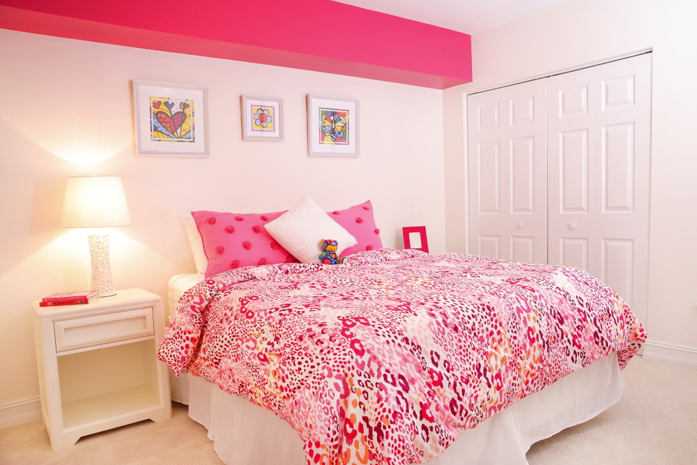 interior-decorating-by-captiva-design-bridget-king-bright-pink-gabby-bedroom.jpg