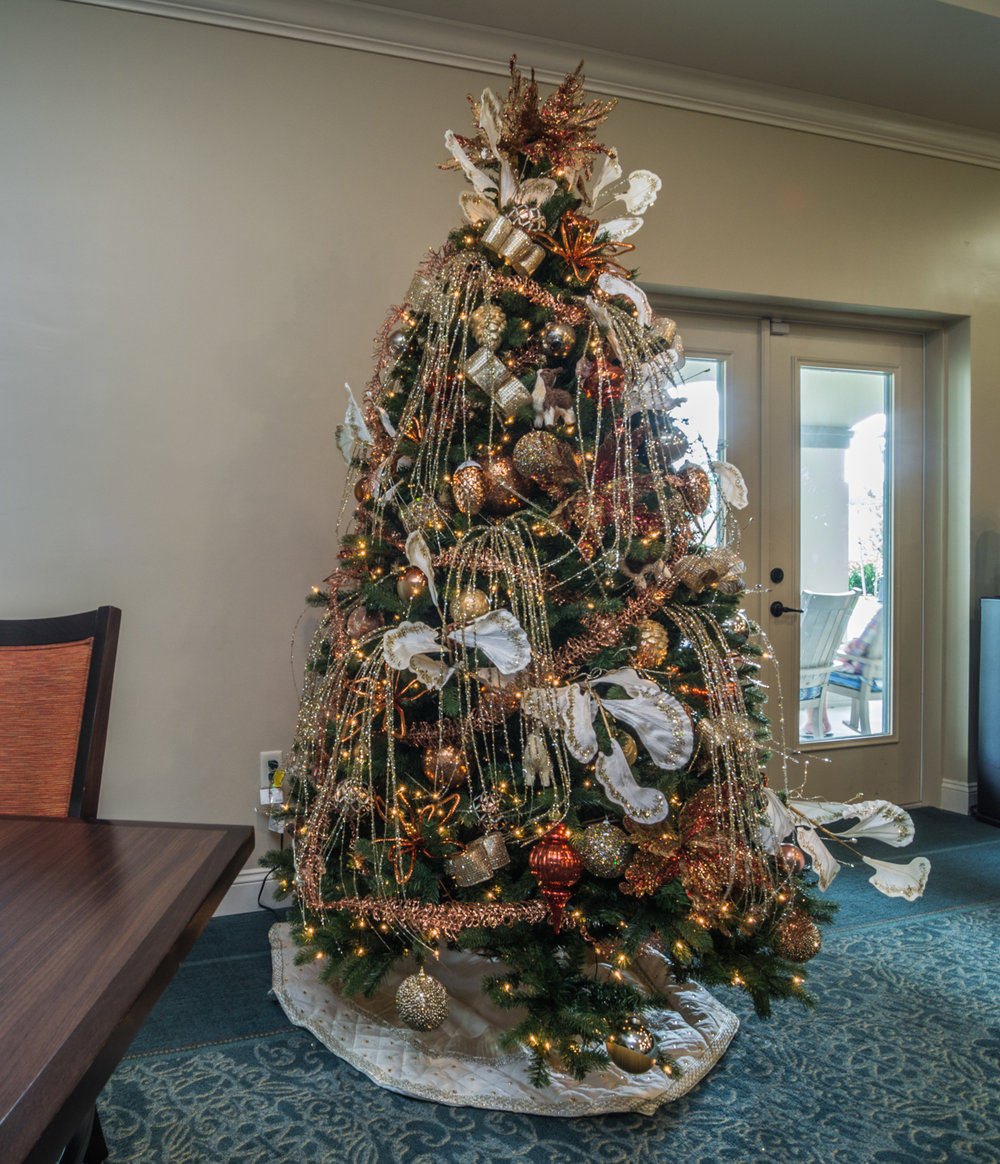 holiday-decor-christmas-tree-by-captiva-design-bridget-king-florida-b-5.jpg