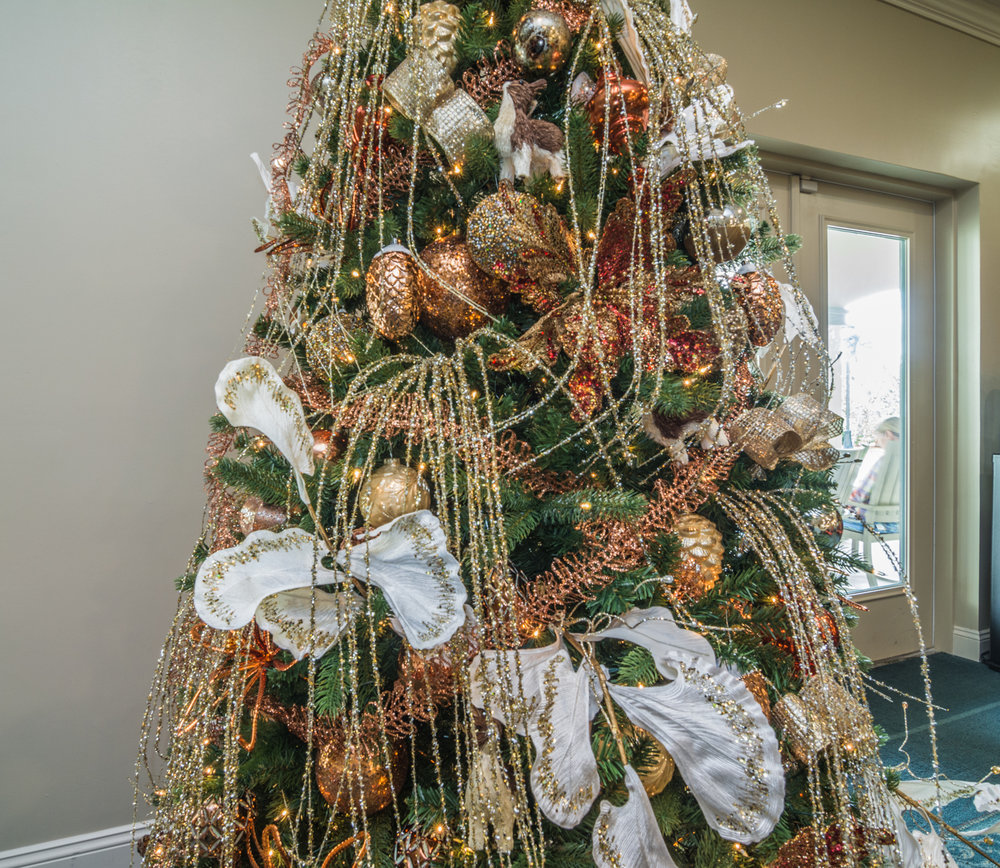holiday-decor-christmas-tree-by-captiva-design-bridget-king-florida-b-6 -1-.jpg
