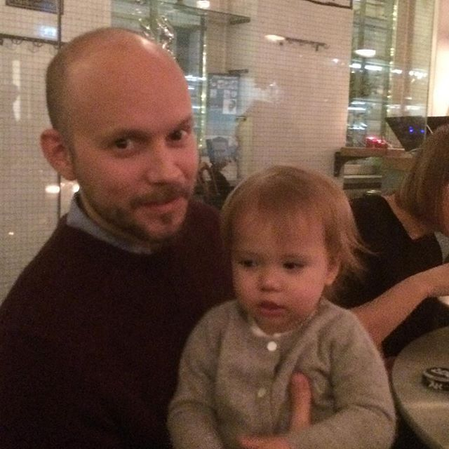 Två fina killar på familjemiddag på Restaurang Bar! Supermat!