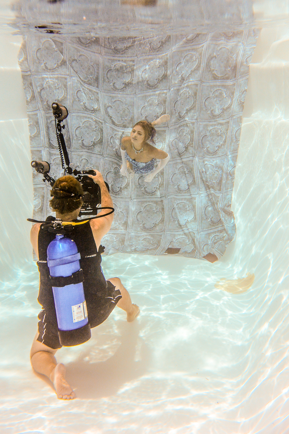 Shooting with a SCUBA tank allows models to move at their own pace.