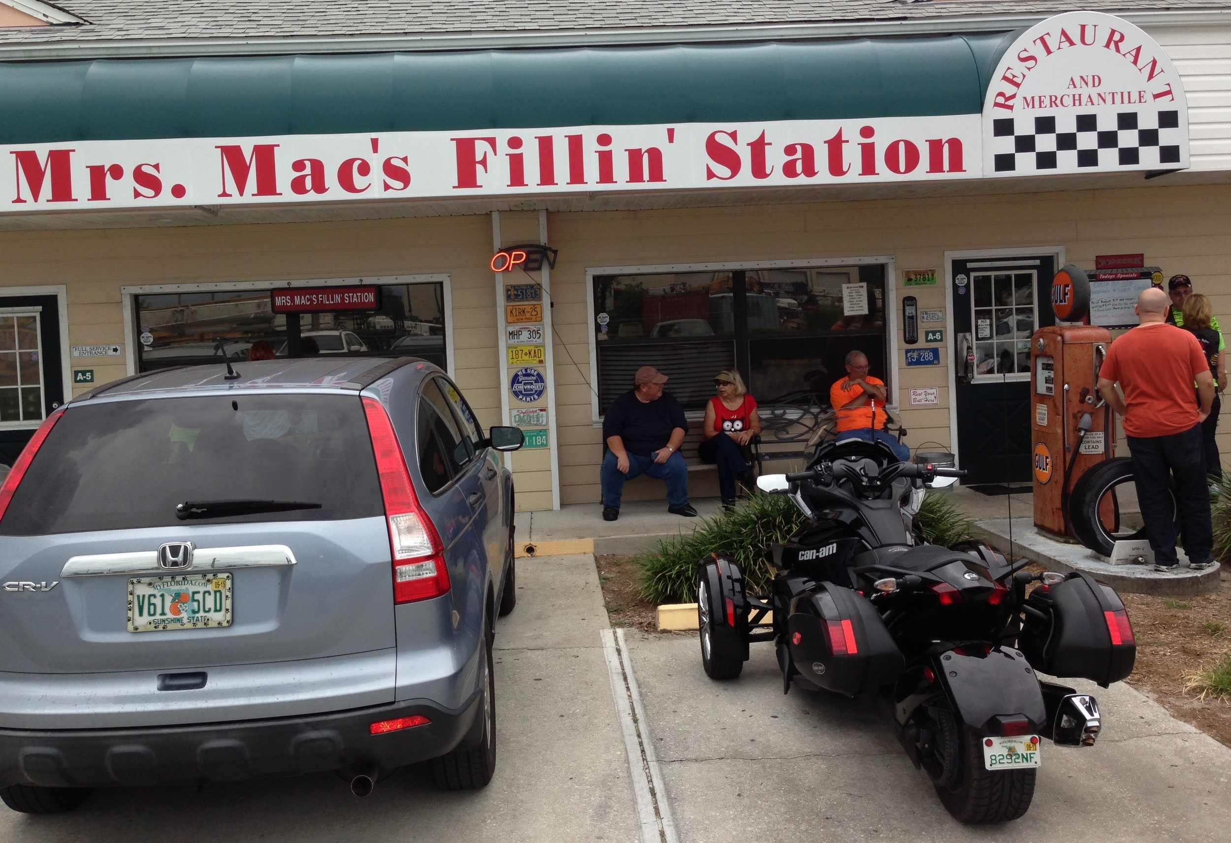 Mrs. Mac's Fillin' Station In Vero Beach