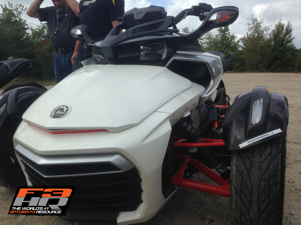 2015 Club BRP - Spyder F3 Intro-23-3.jpg