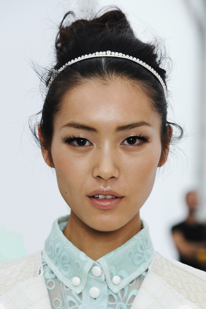 louis-vuitton-ss2012-makeup