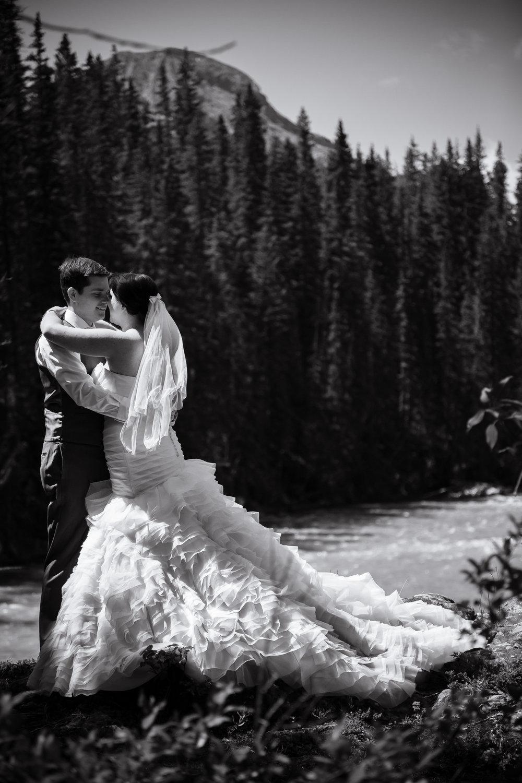 bride-groom-kananaskis-river.jpg